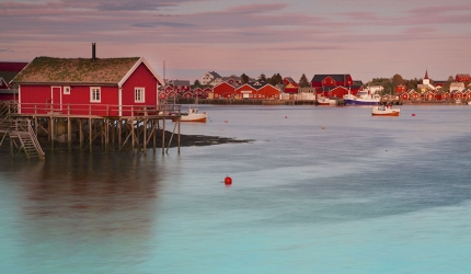 Lofoten_s_stilted_fishermen_s_houses_occupy_stunning_locations_kzcDXv