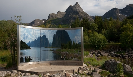 One_of_a_number_of_art_installations_to_be_found_on_Lofoten_140bxEr27